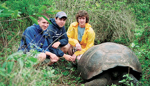 ACIS students with a Galapagos tortoise