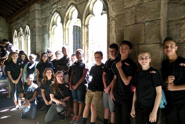 Students on NY Spanish on Location tour