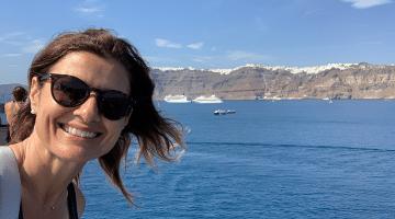 Dimitra in Santorini