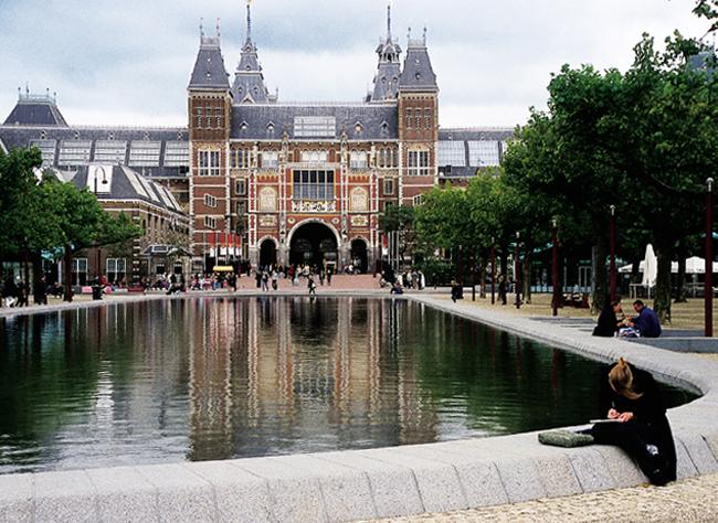 Amsterdam_Rijksmuseum_reflecting_pool v2